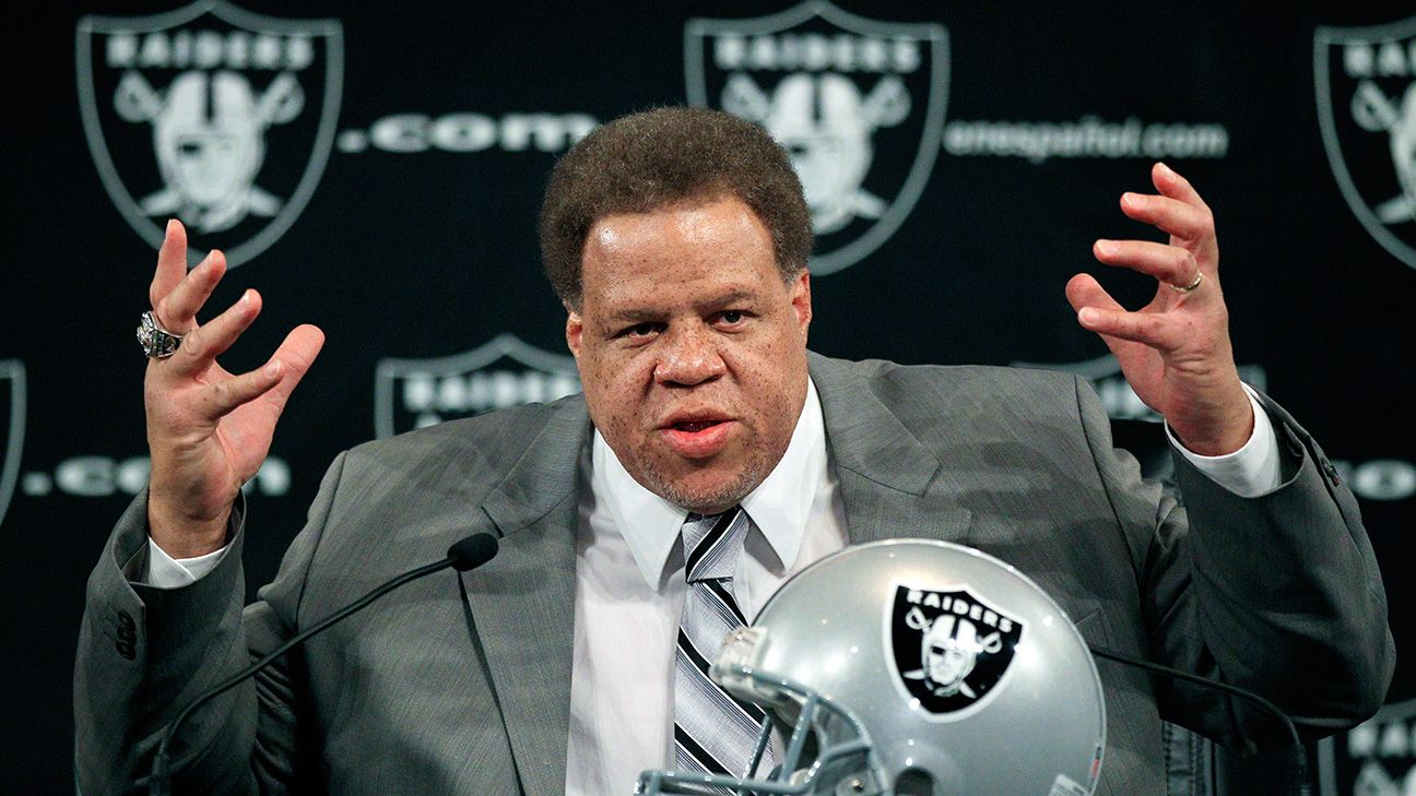 The Dolphins are hiring former Raiders general manager Reggie McKenzie as senior personnel executive, a league source told ESPN. McKenzie will have notable influence helping GM Chris Grier rebuild Miami into a contender.