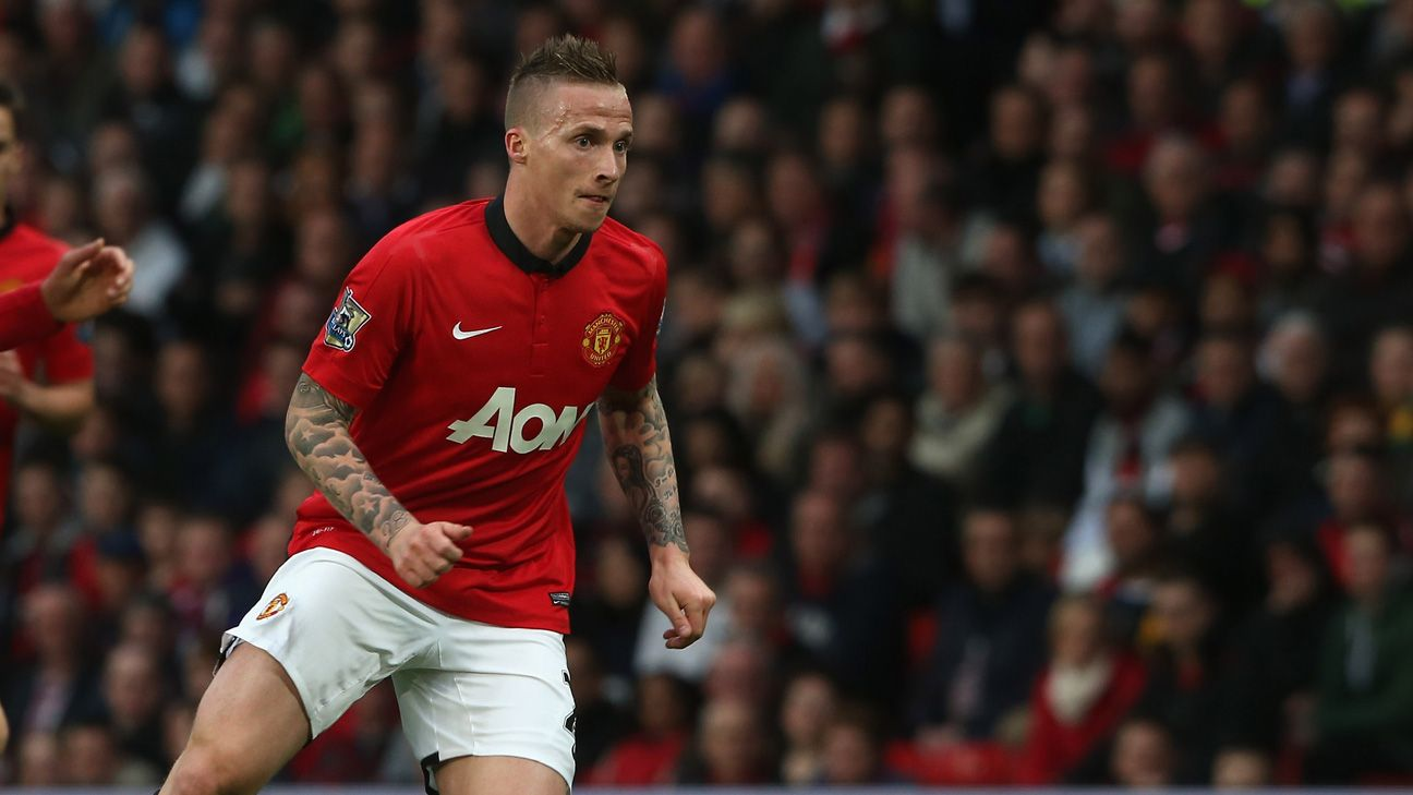 Ex Manchester United Left Back Alexander Buttner Joins New