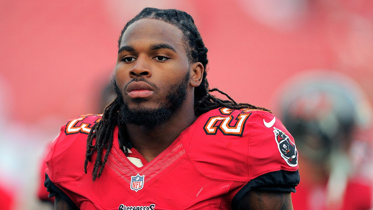 the latest df4a7 4f37b Tampa Bay Buccaneers trade Mark Barron to St. Louis Rams ...
