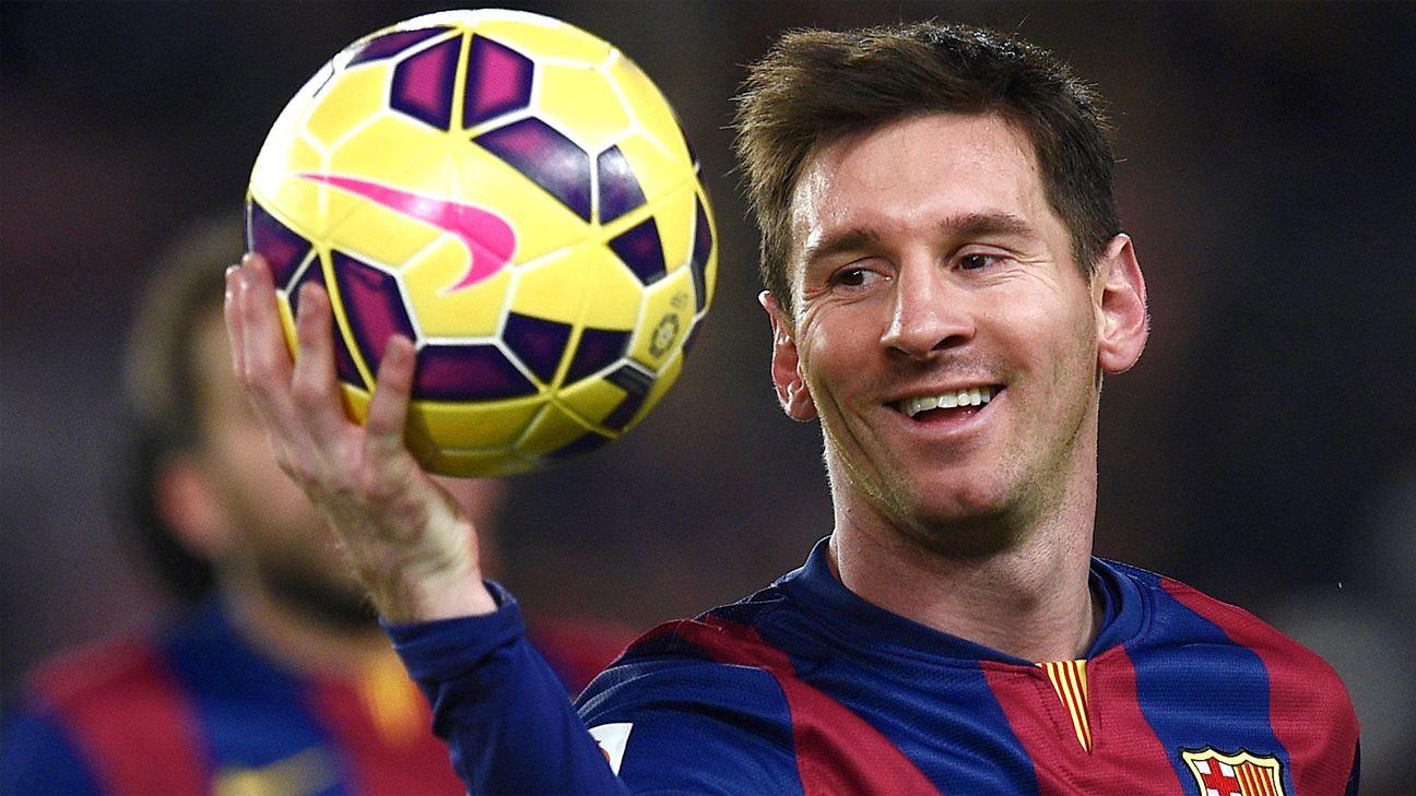 фото лучшие футболисты донес красавицу