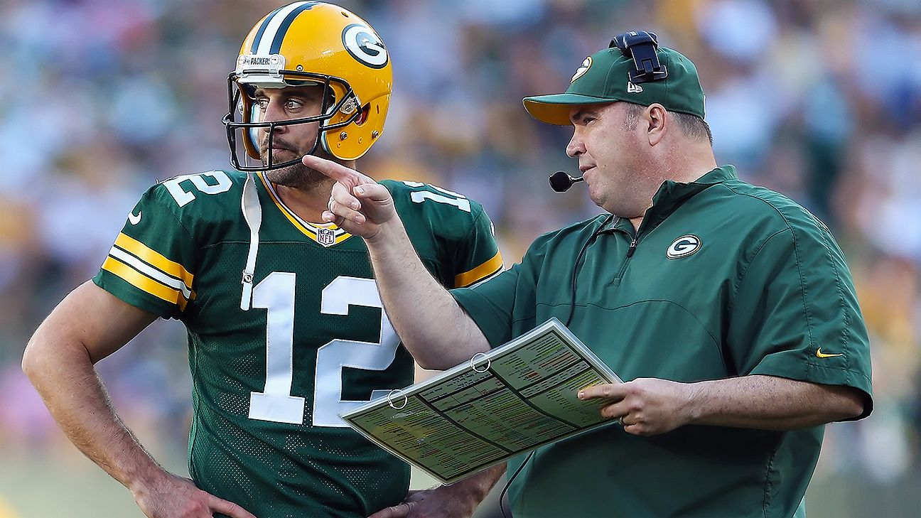 Pack's McCarthy hands off play-calling duties