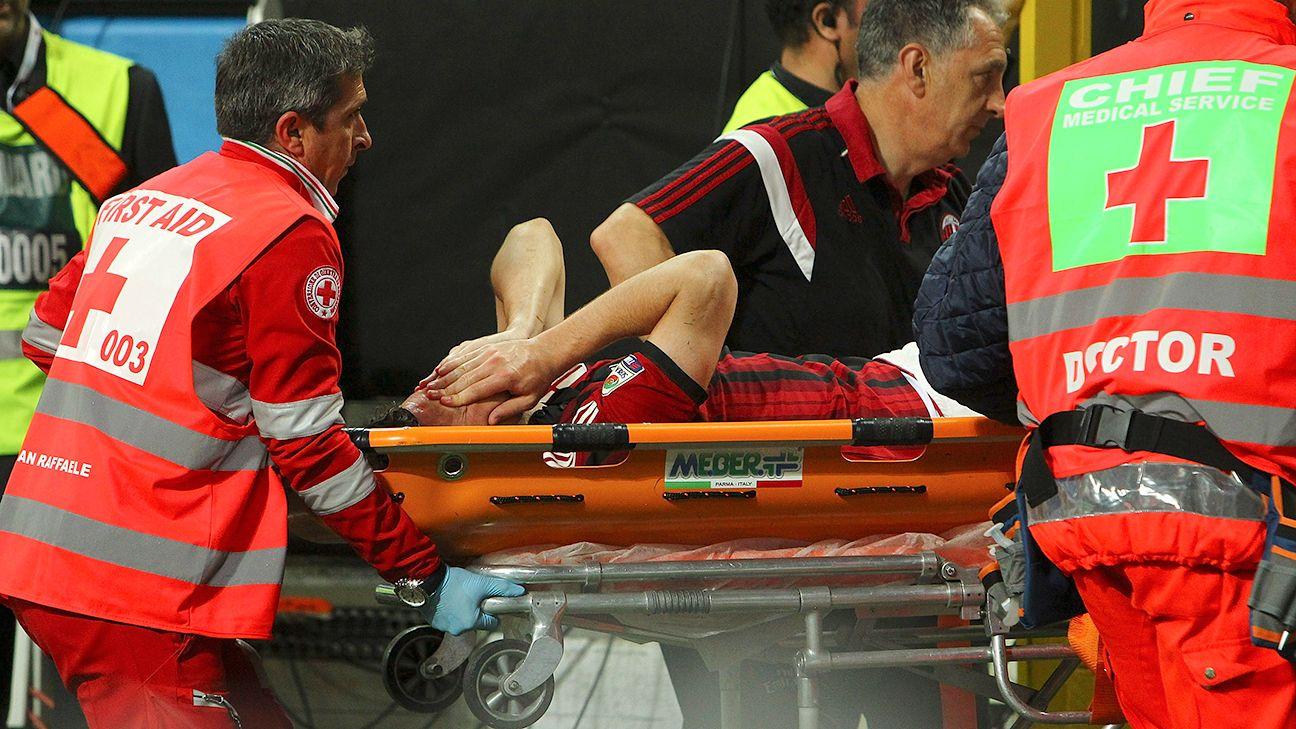 Ac Milan Say Mattia Destro S Leg Injury Not Serious As First Feared