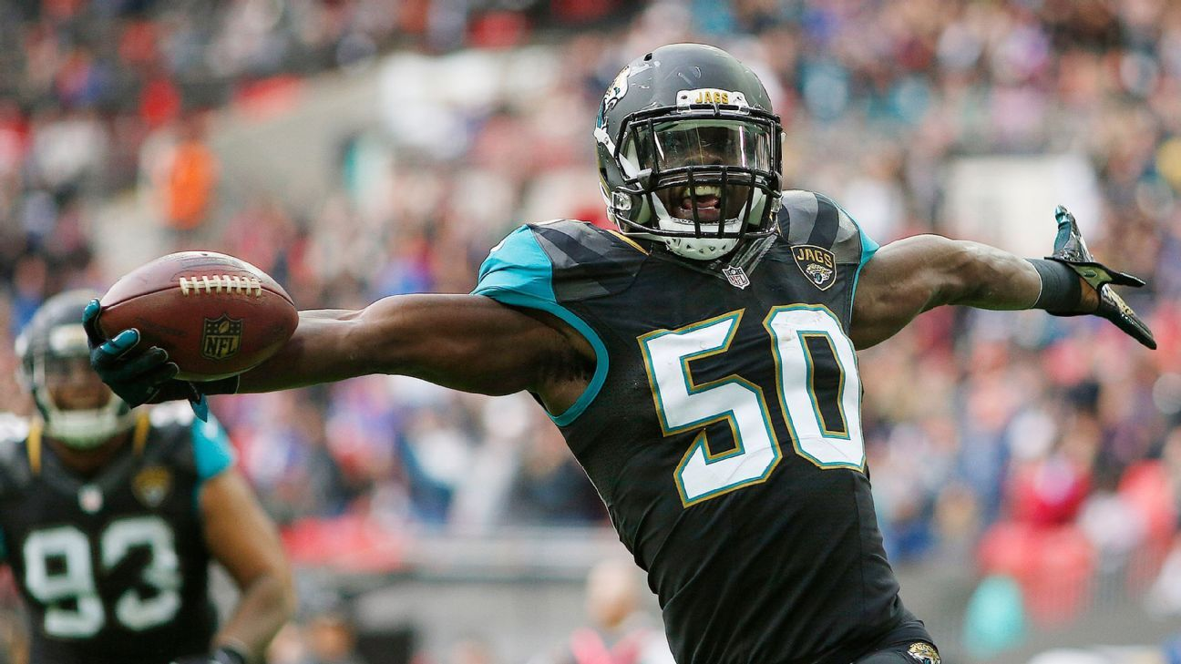 Jaguars linebacker Telvin Smith announced that he will not play football in 2019.