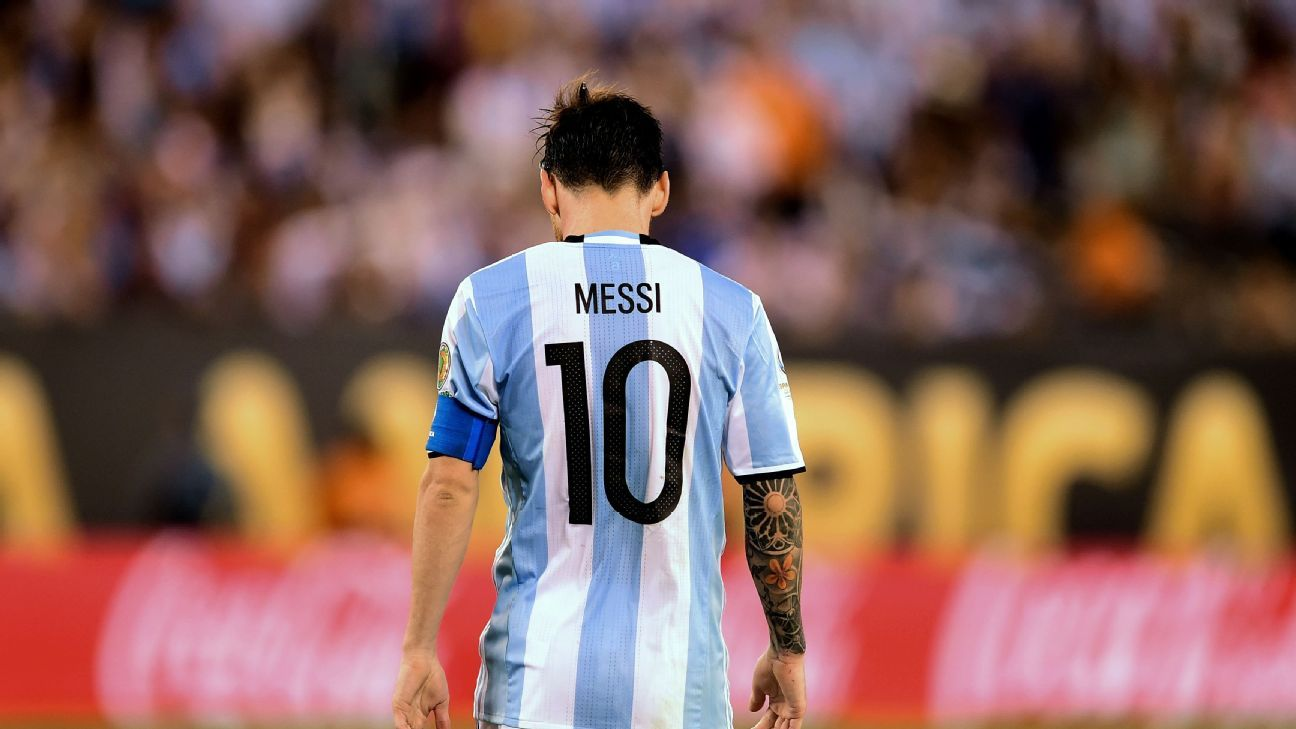 29884e2e252 Lionel Messi spotted still in Albiceleste shirt, gives Argentina hope