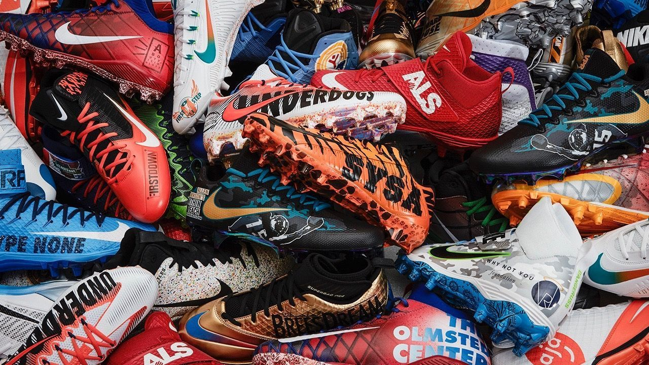 46fea7fc016 Blake Bortles of the Jacksonville Jaguars supports charity with custom  cleats