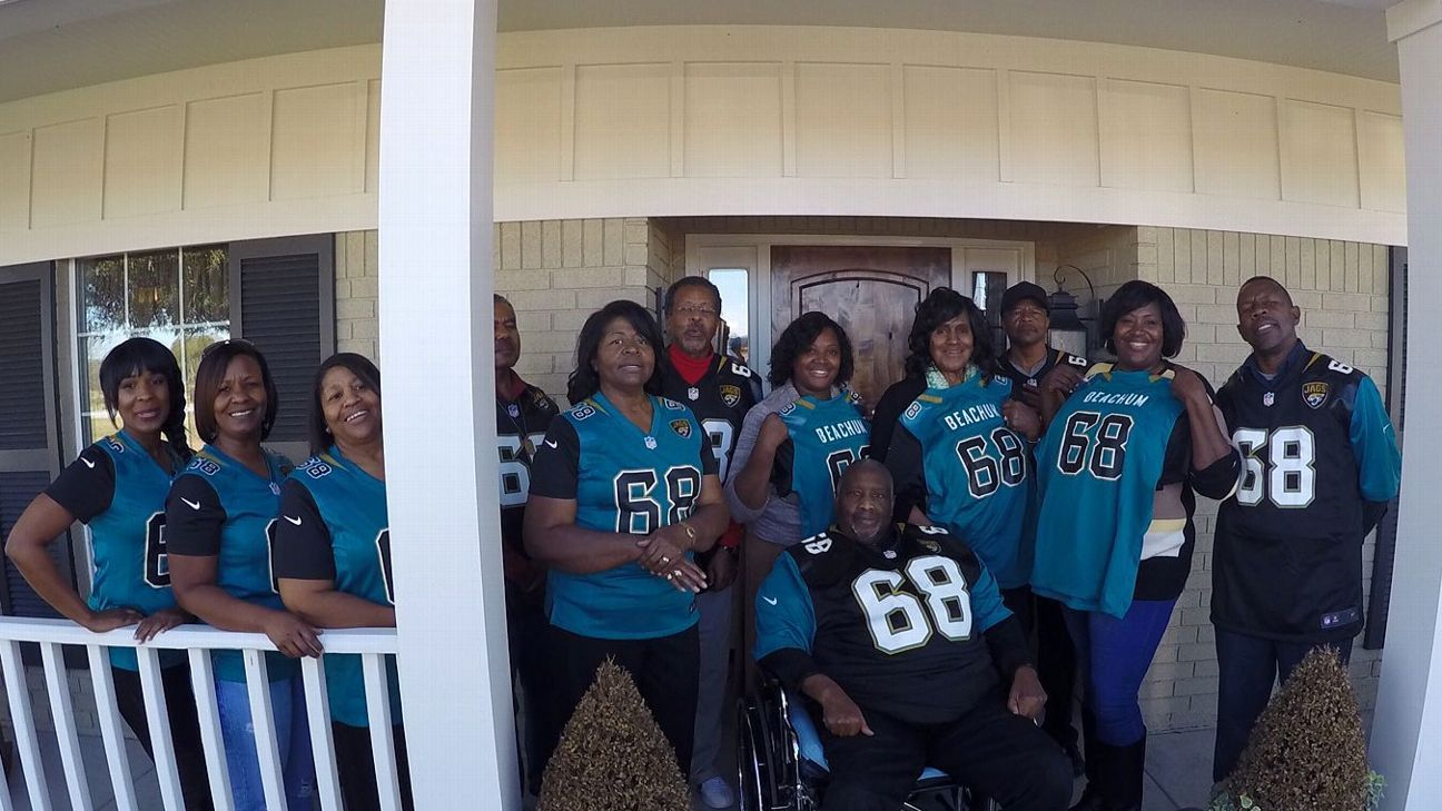 Jaguars Kelvin Beachum Helps Out Parents On Fixer Upper