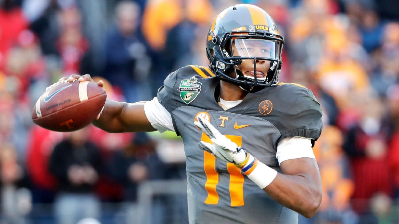 0e5c2fe0e0c Pittsburgh Steelers pick Tennessee Volunteers QB Josh Dobbs in fourth round