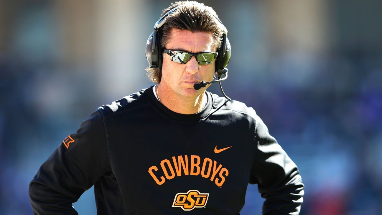 Oklahoma State coach Mike Gundy agrees to take $1M pay cut after review – ESPN