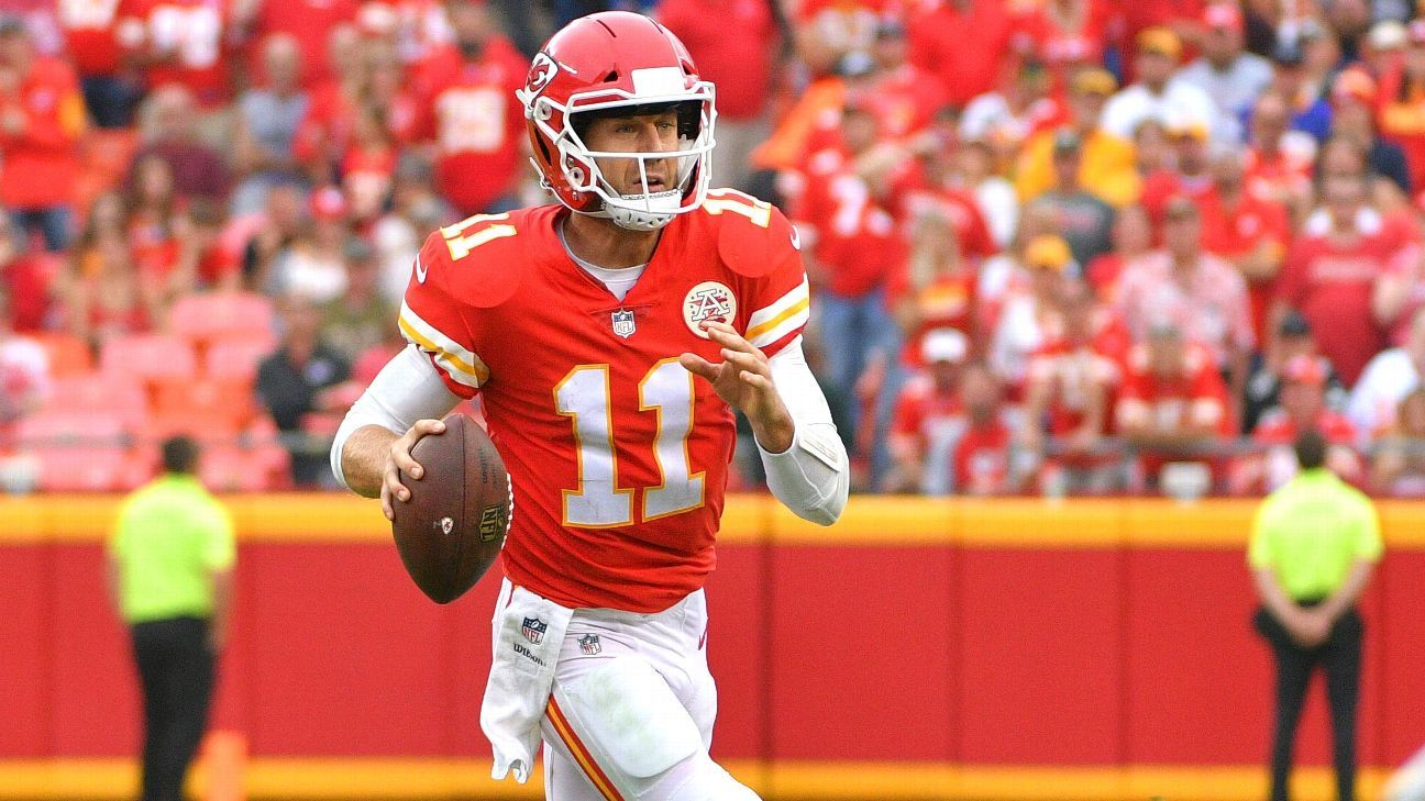 Alex Smith is making 2018 QB decision difficult on Kansas City Chiefs -  Kansas City Chiefs Blog- ESPN 1c58aa7a0
