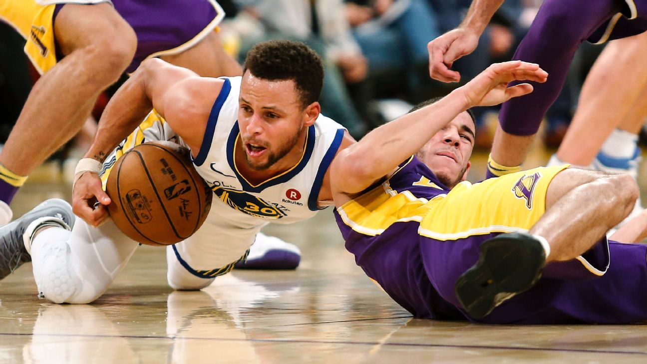 07bd9cdda24 Golden State Warriors  Stephen Curry spoke with former Los Angeles Lakers  star Kobe Bryant about finger injury