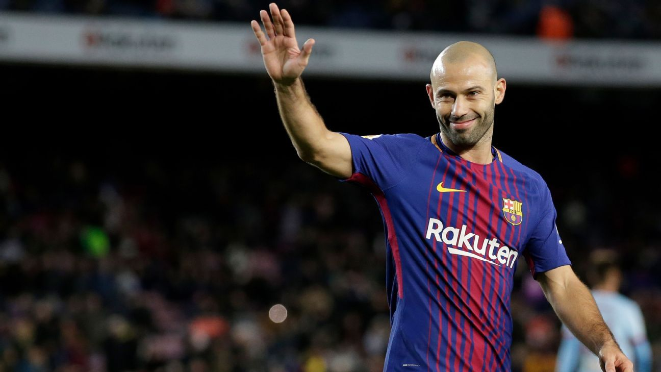 8c331583738 Javier Mascherano   I played centre-back to survive at Barcelona