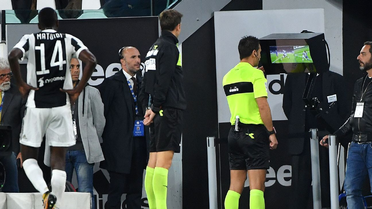 Italy's FA wants VAR 'challenges' for Serie A
