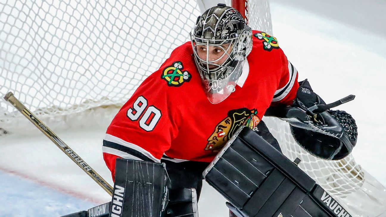 5b35a5e02 NHL - Emergency Chicago Blackhawks goalie Scott Foster s wild night - From  watching on the couch to taking the crease