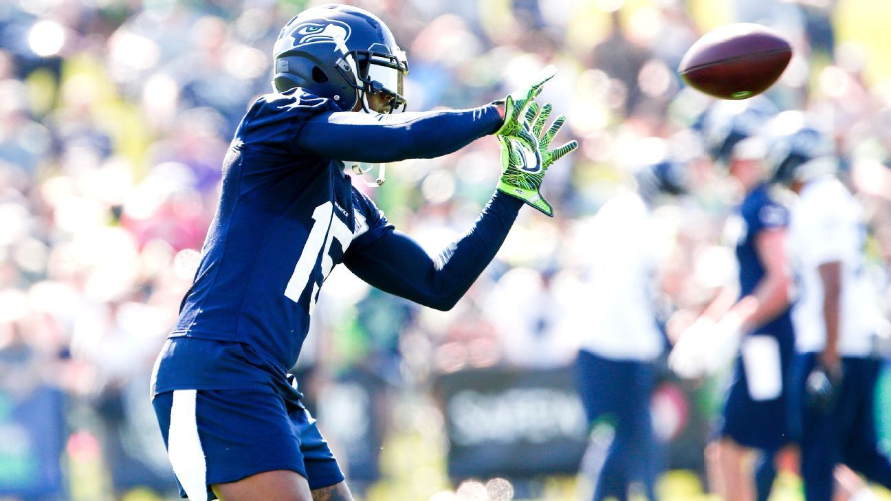 53aea43e Brandon Marshall's growing connection with Russell Wilson a good sign - Seattle  Seahawks Blog- ESPN