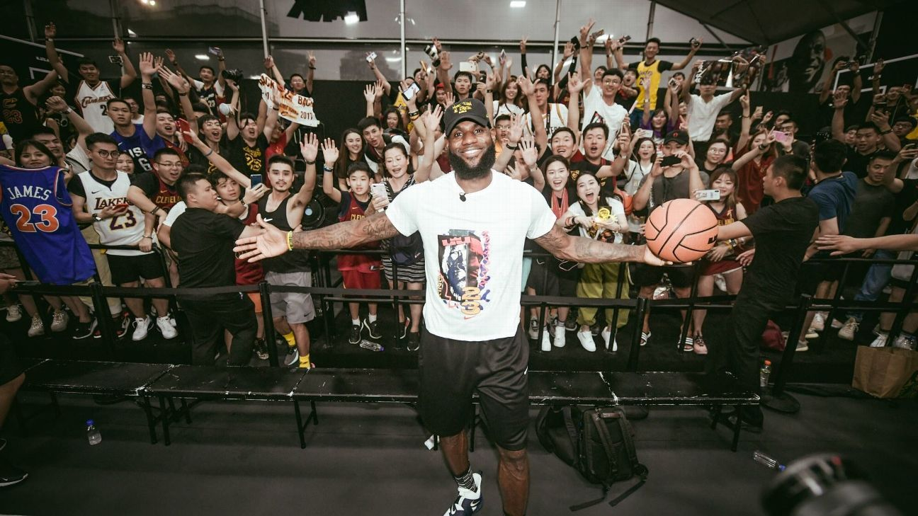 best cheap d2c5f 3d5e1 In welcoming LeBron James, China's Lakers fans have a choice ...