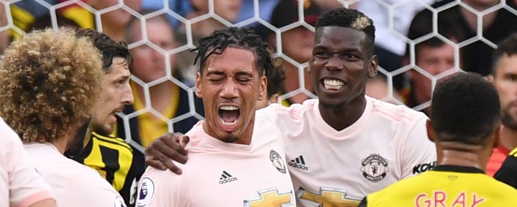 Jose Mourinho Takes Shot At Chris Smalling S Hair After Manchester