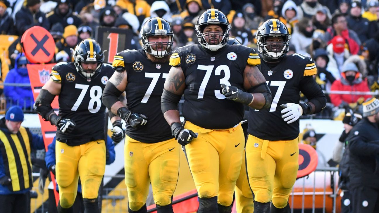 Steelers veteran Ramon Foster issued a statement asking former teammates to stop bashing the current players.