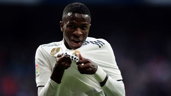 Vin�cius Jr. entra no 2� tempo e salva Real Madrid, que vence time de Ronaldo Fen�meno
