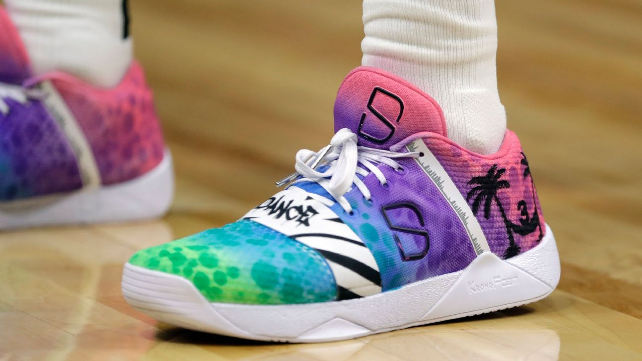 Spencer Dinwiddie of Brooklyn Nets honors Dwyane Wade with ...