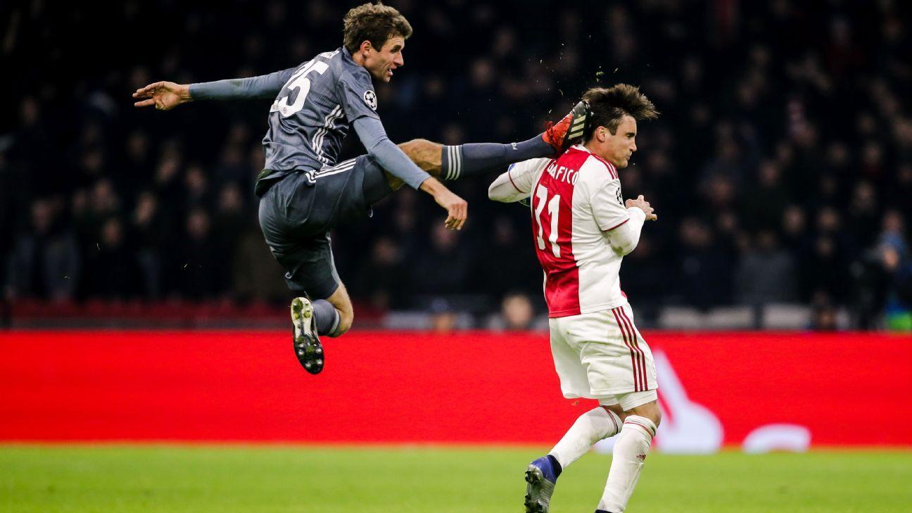 Champions: Thomas Muller leva gancho por 'voadora' em rival do Ajax e  perderá Bayern x Liverpool