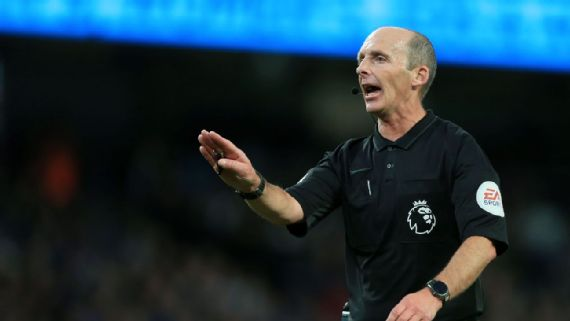 Watch: Referee Mike Dean celebrates wildly as Tranmere progress in play-offs