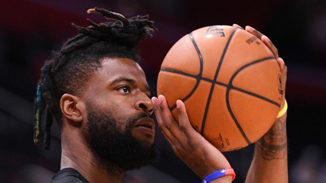 Knicks sign free agent Bullock to 2-year deal