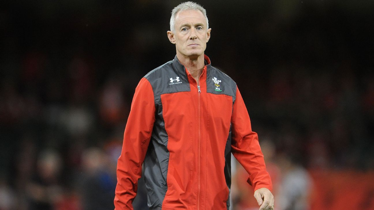 Rob Howley suspended from rugby after breaching betting regulations