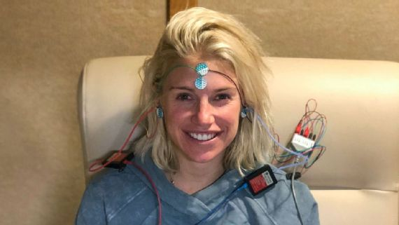 Kelly Stafford S Recovery From Brain Tumor My Biggest Fear Is Not Being Here