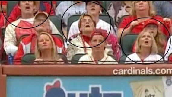 La 'bola muerta' engaña a jugadores, fans y camarógrafos en MLB I?img=%2Fphoto%2F2019%2F1016%2Fr613495_576x324_16%2D9