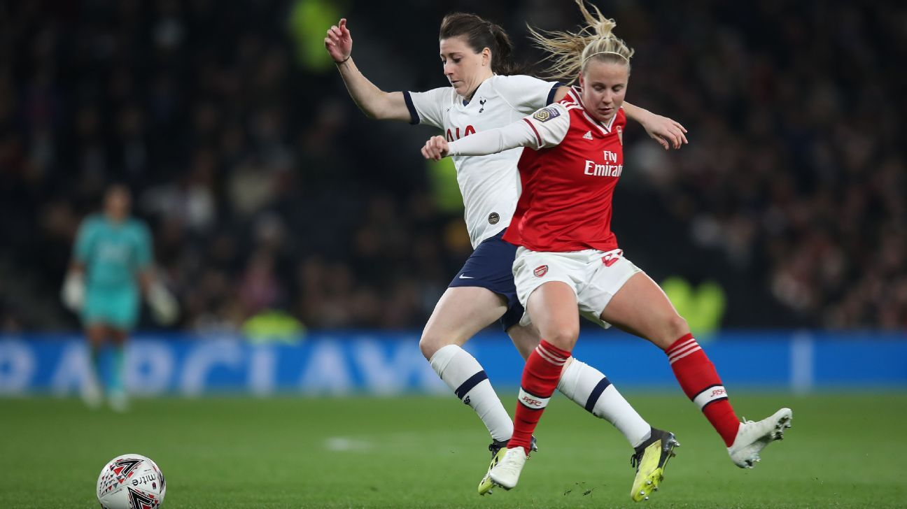 Arsenal beat Spurs in front of WSL record crowd