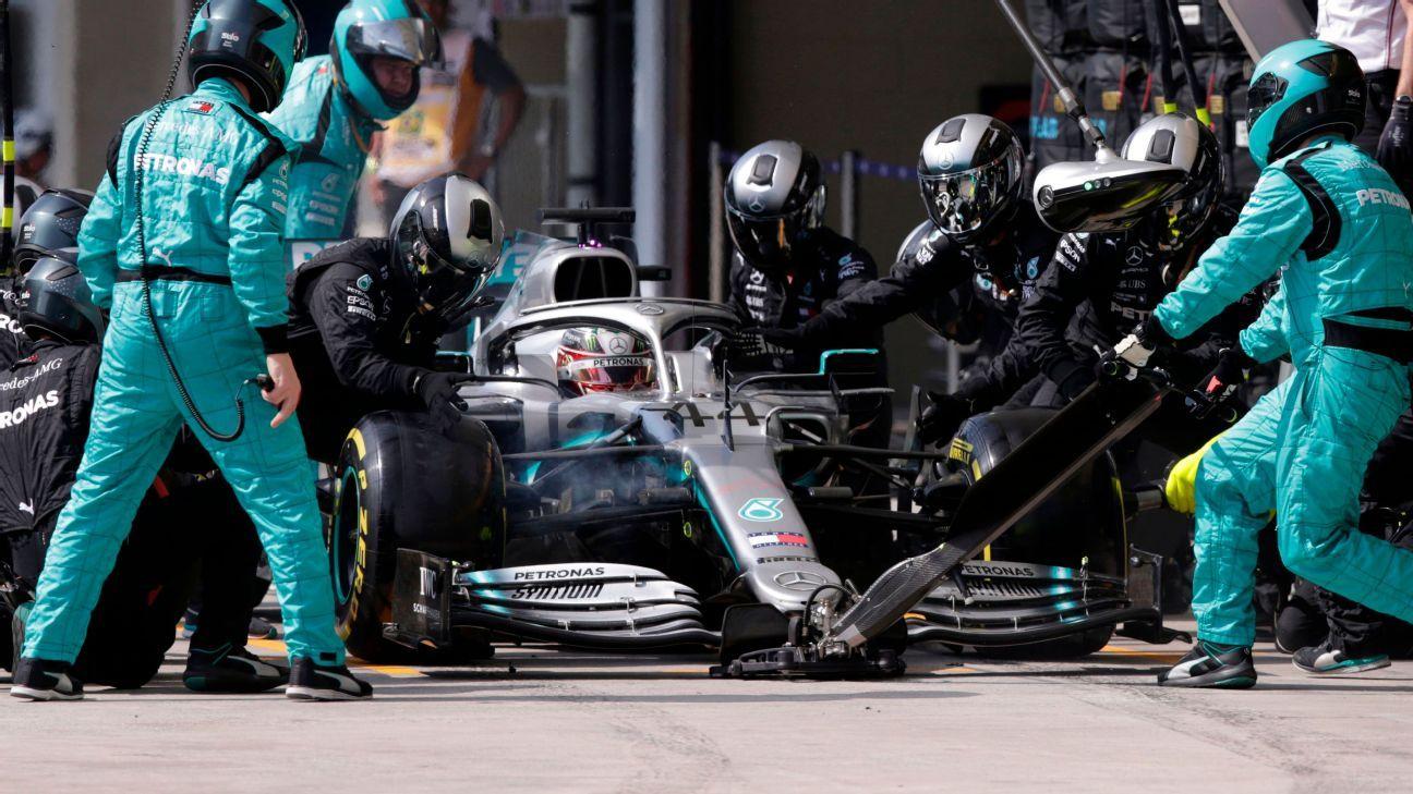 Mercedes admits Hamilton's final stop was 'plain dumb'