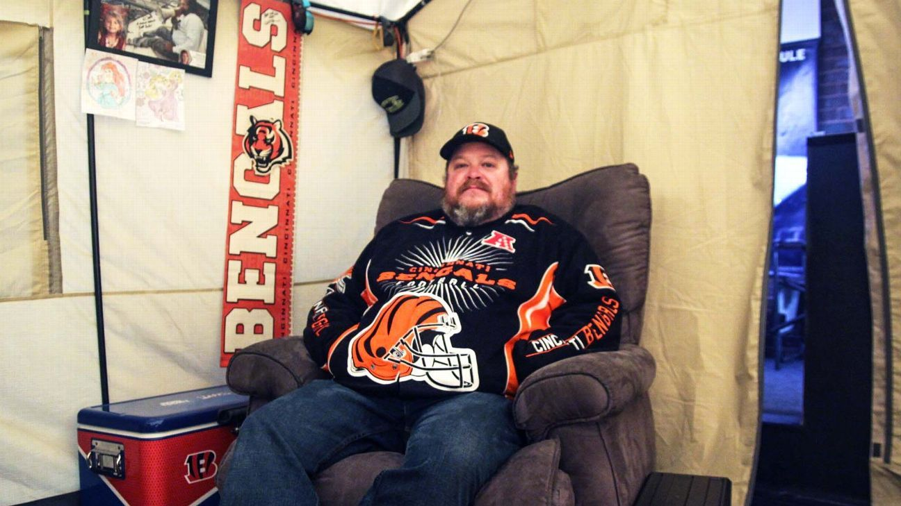 After 57 days and one win, Bengals superfan comes down from roof