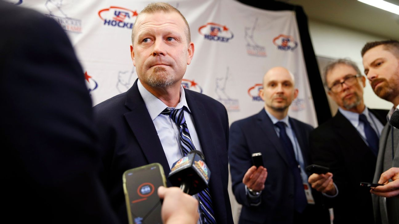 Ex-Bruin Tim Thomas details brain damage from concussion