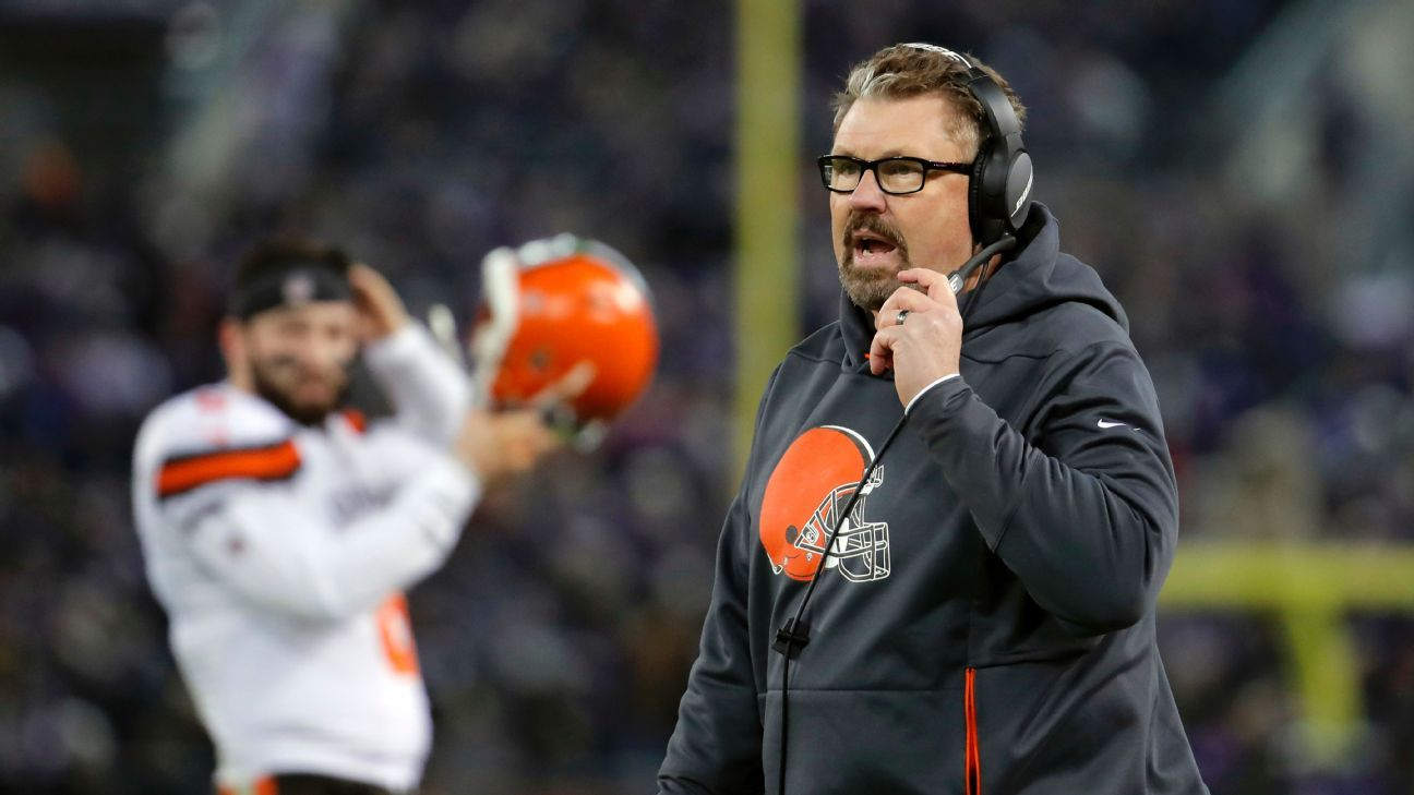 Gregg Williams, the former head coach of the Bills who served as interim coach of the Browns last season, will be defensive coordinator for the Jets under Adam Gase, a source told ESPN.