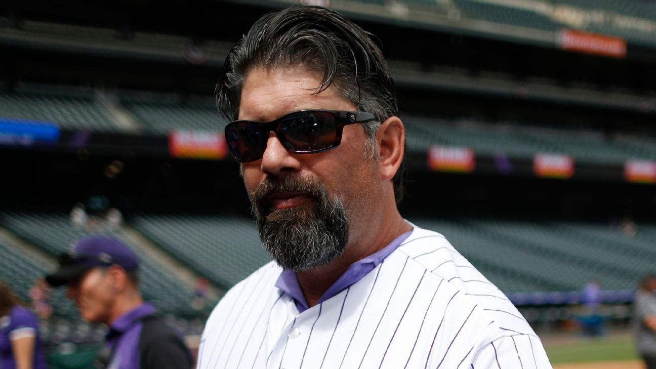 Ex-Rockies 1B Helton sentenced to 2 days in jail