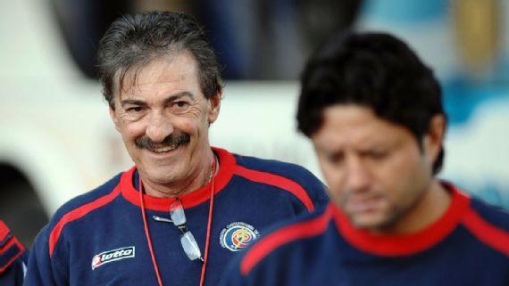 Ricardo La Volpe recibe su primera oferta para operar un club como directivo