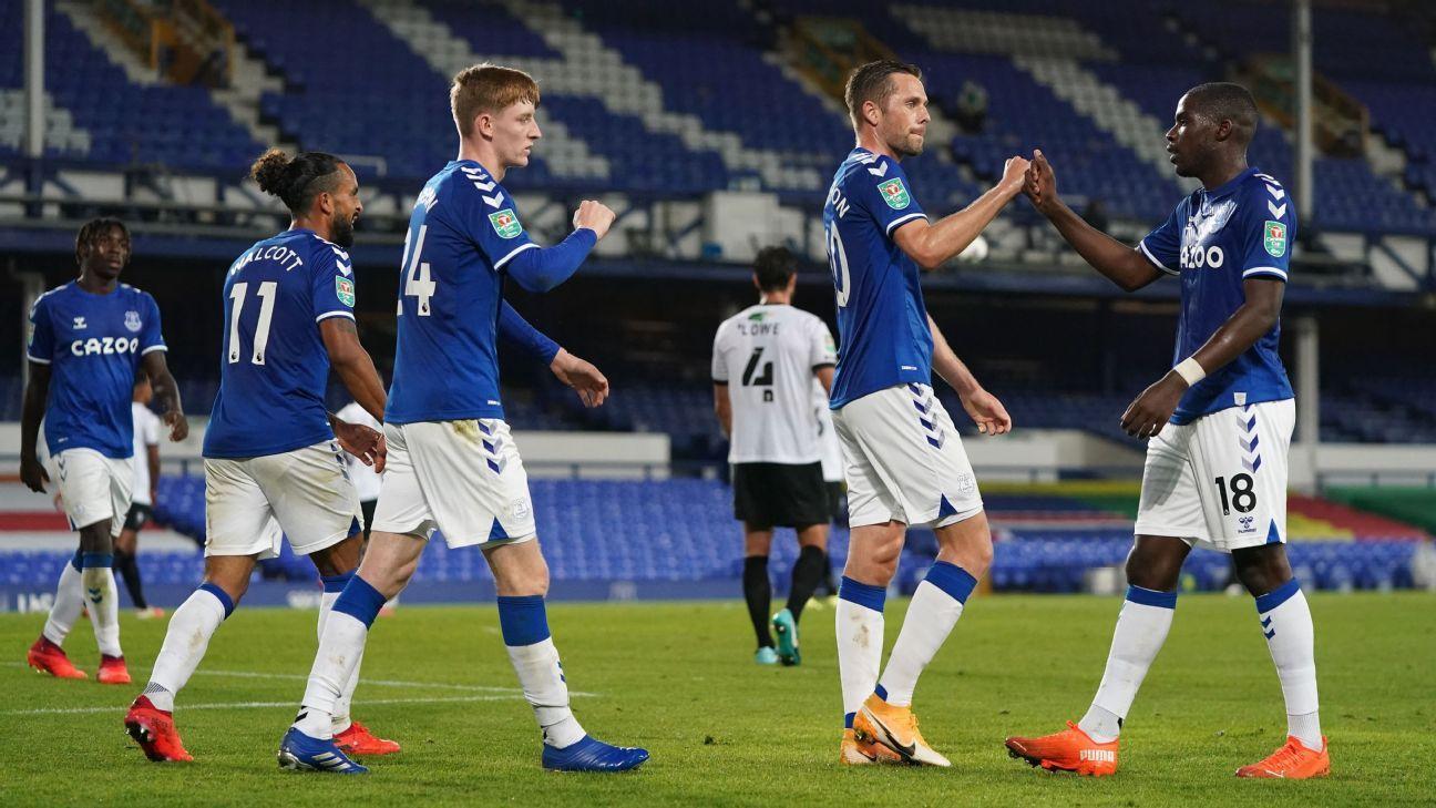 Mejor imposible para James: Everton goleó a Salford City pero su titularidad no corre ningún peligro