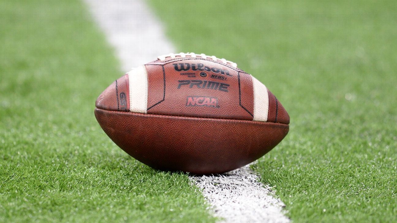NCAA to mull no record requirement for bowls