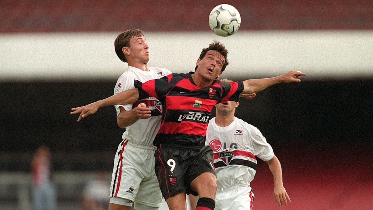 Ceni x Diniz: Relembre última vitória do Flamengo por dois gols no Morumbi