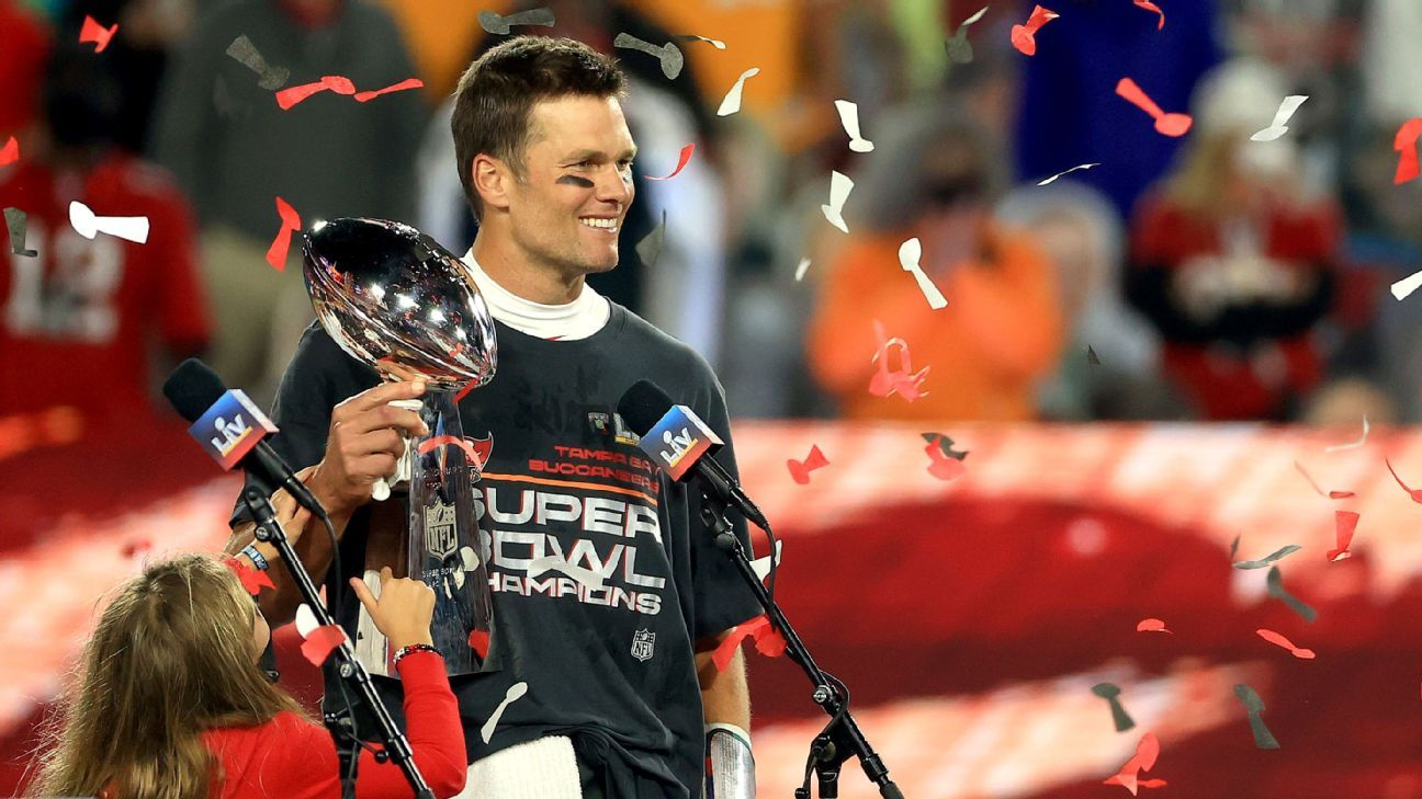 Tampa Bay Buccaneers would be 'elated' to extend Tom Brady's contract beyond 2021