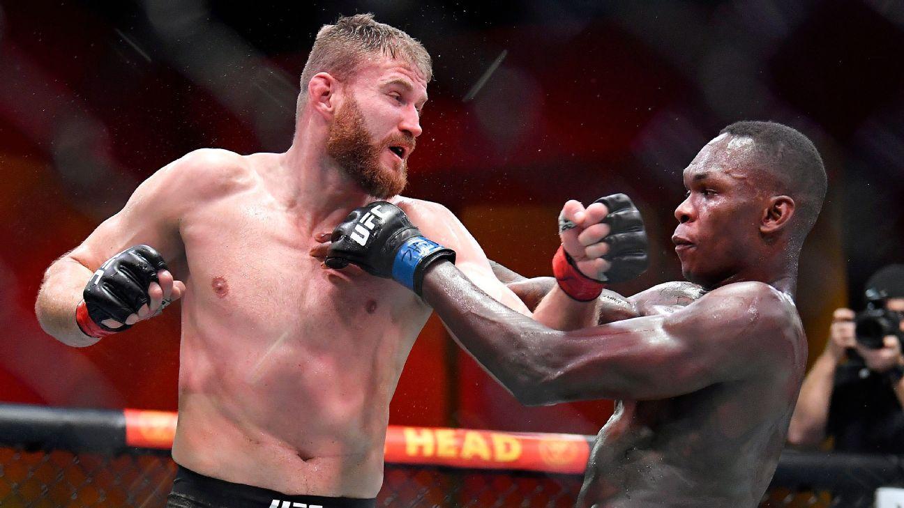 Blachowicz wins, halts Adesanya's bid for 2 belts