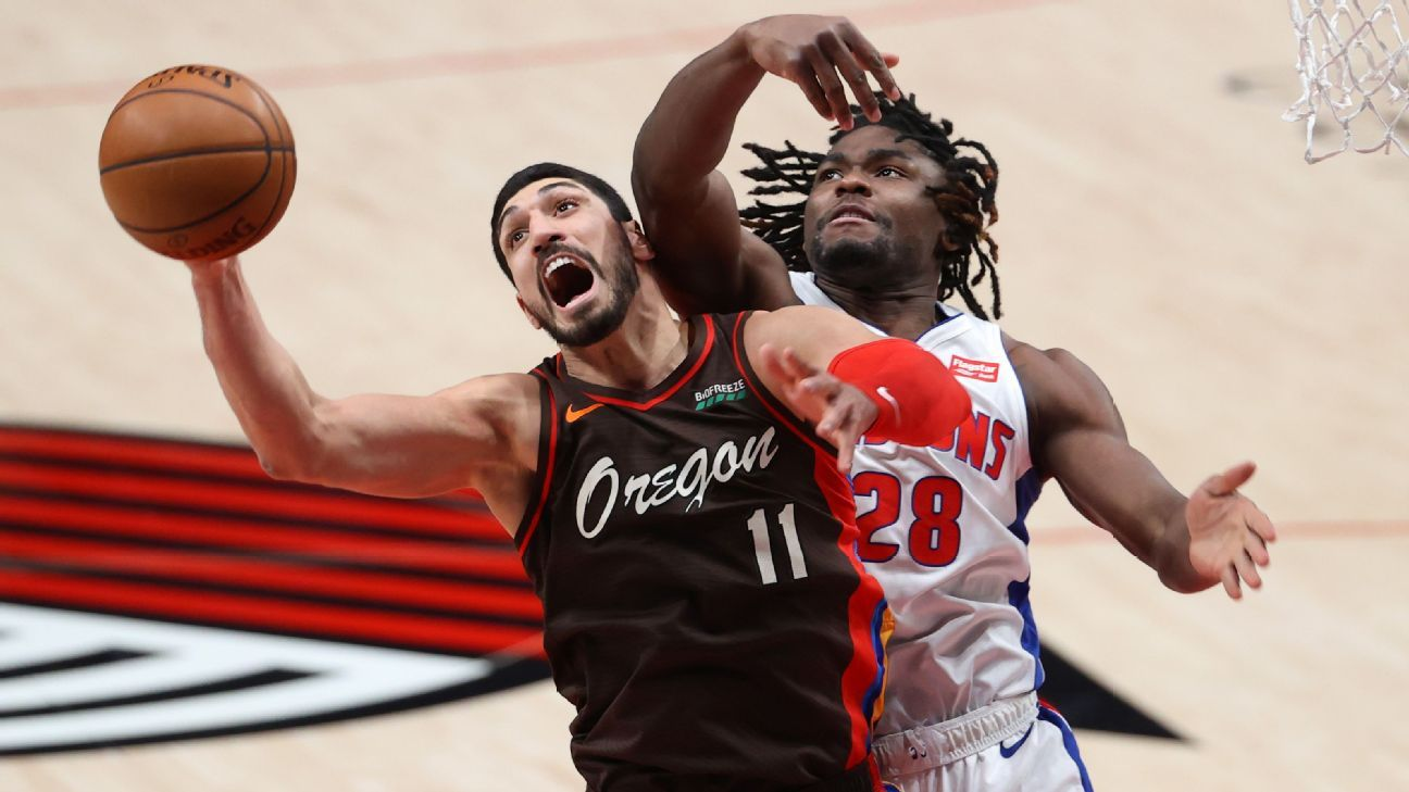 Kanter pulls down Blazers-record 30 rebounds