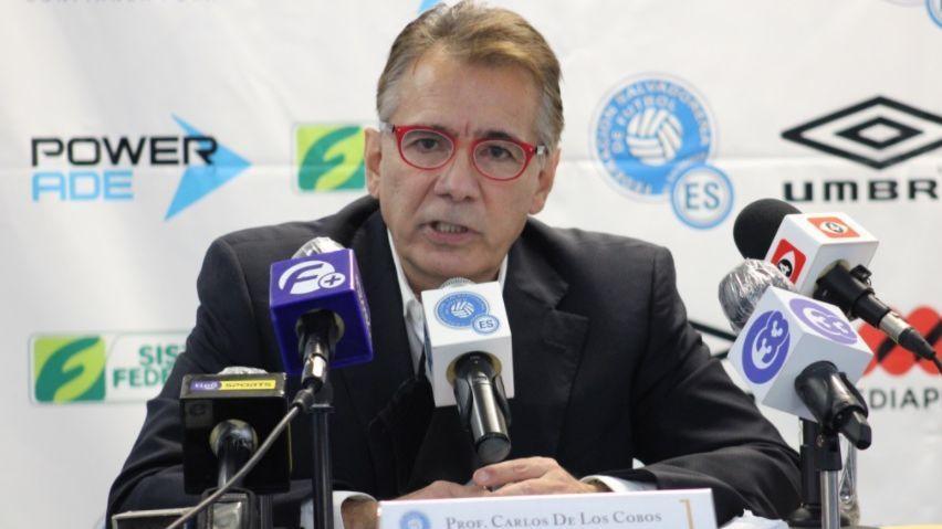 Carlos de los Cobos anuncia su salida de la selección de El Salvador