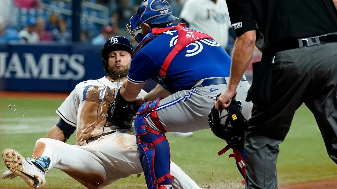 Tampa Bay Rays outfielder Kevin Kiermaier adds more drama to burgeoning rivalry, takes Toronto Blue Jays data card at home plate