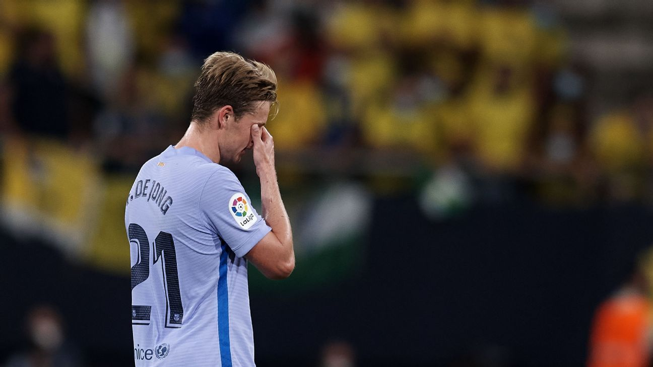 De Jong sees red in goalless Barca-Cadiz draw