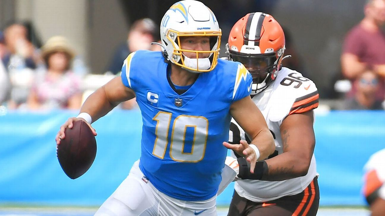 Justin Herbert hits Mike Williams on 72-yard touchdown pass for Los Angeles Chargers