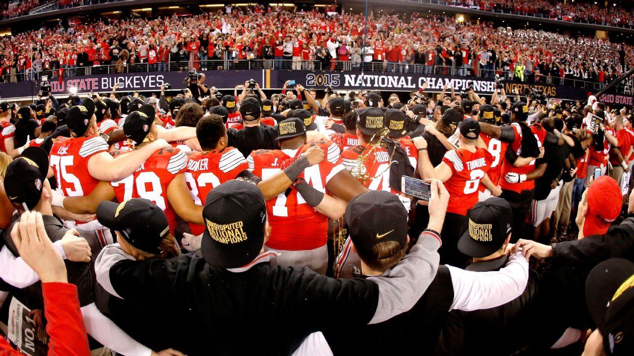Ủy ban tuyển chọn Vòng loại Bóng đá Đại học gặp khó khăn mới với việc Big Ten tham gia cuộc chiến
