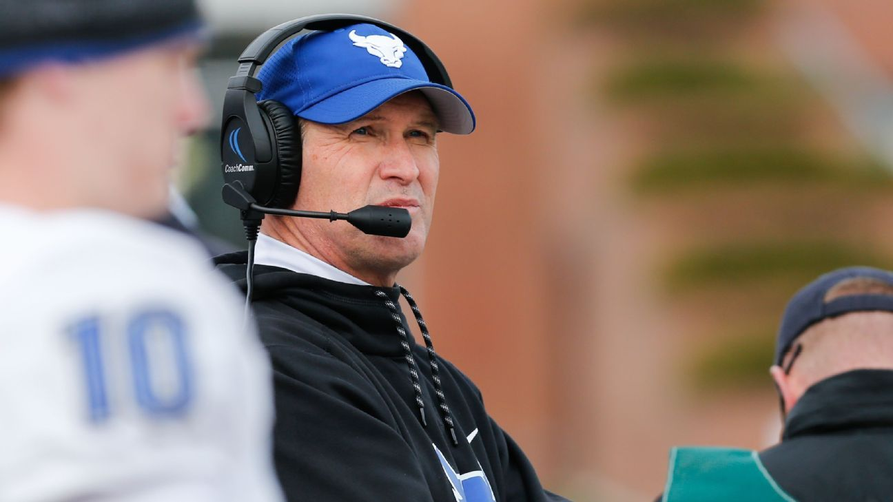 Sources: Kansas set to hire Buffalo coach Leipold