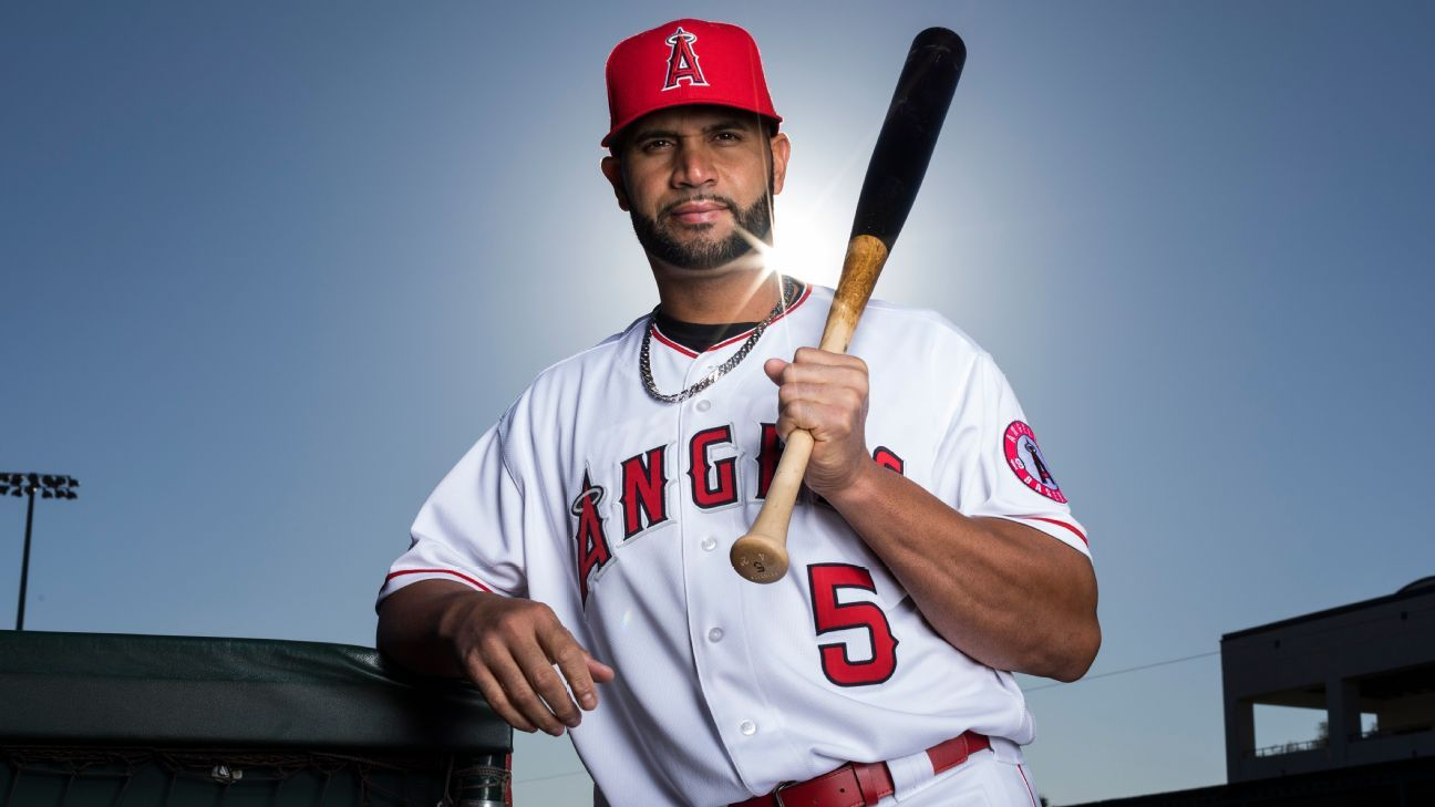 Angels to cut Pujols, 'honored' he wore jersey