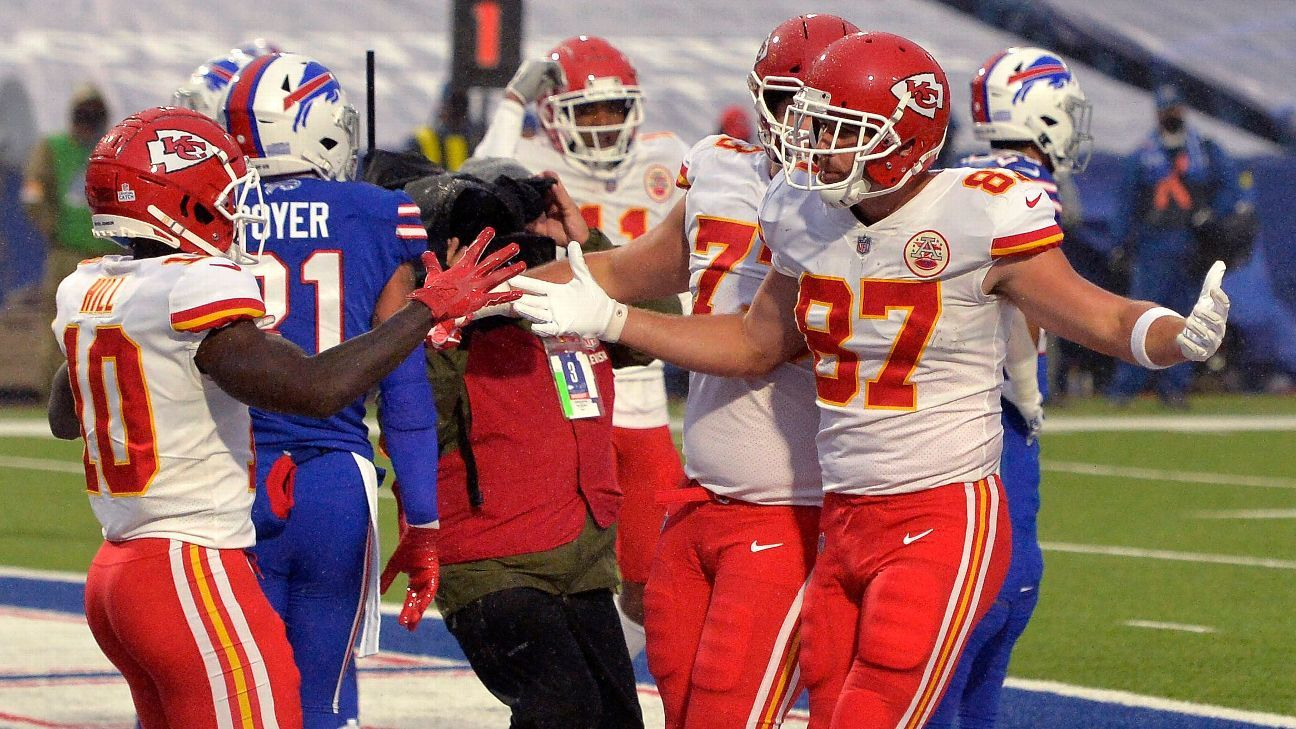 Chiefs' Patrick Mahomes fastest to 90 touchdowns